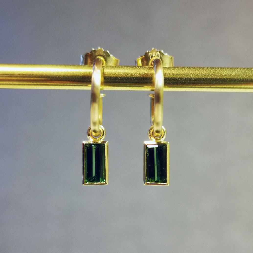 Ohrhänger Gold mit gruenem turmalin medea morandin